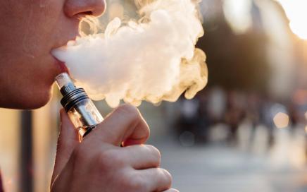 vape vaping ecig e cigarette adobestock